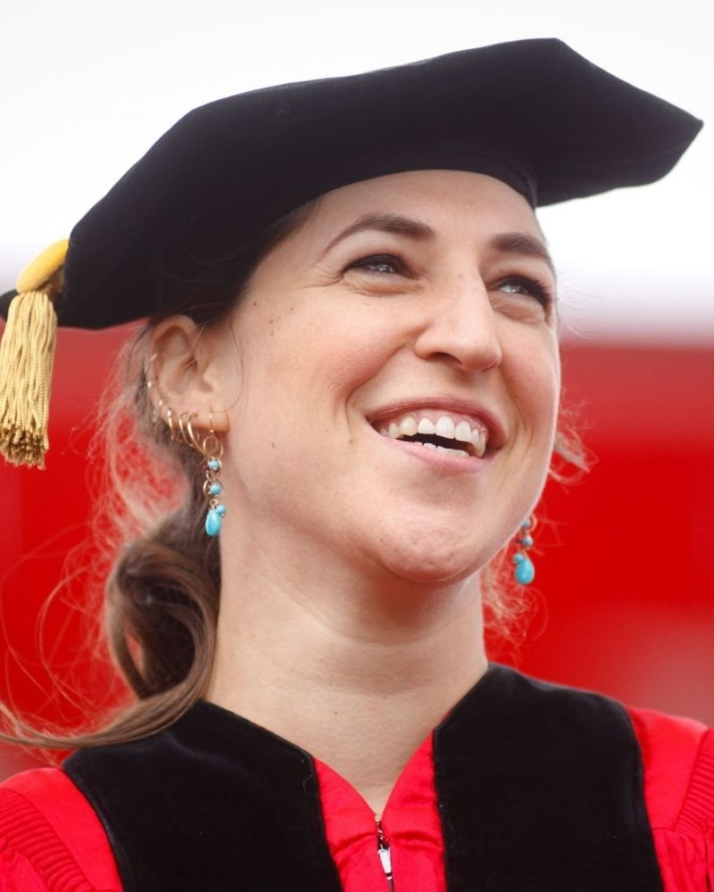 Mayim took a break from acting to earn a Ph.D. in neuroscience